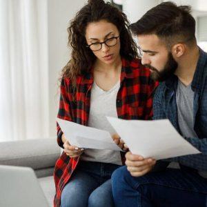Vợ Chồng Bạn Có Nên Mua Bảo Hiểm Nhân Thọ Không
